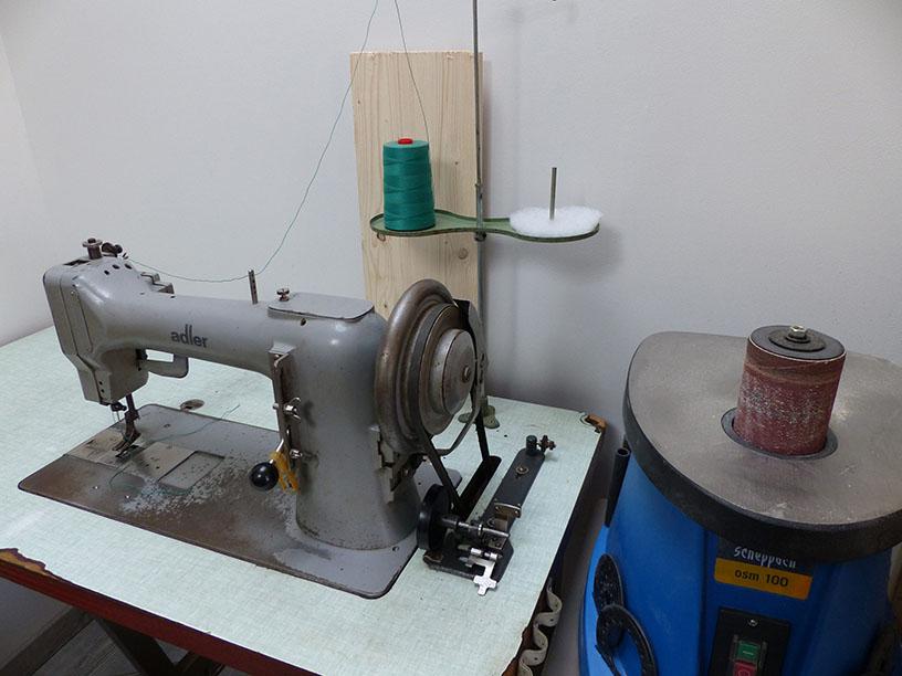 Machine à coudre plate